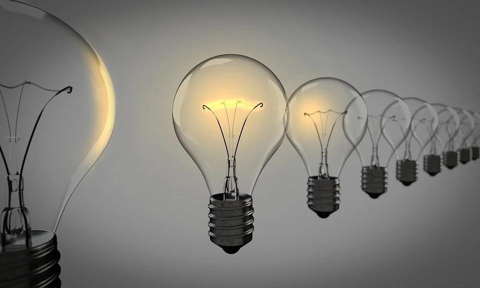 light-bulbs-1875384_960_720.jpg