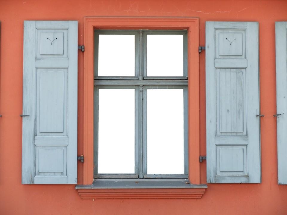 window-2119067_960_720.jpg